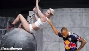 Henry meme Miley Cyrus